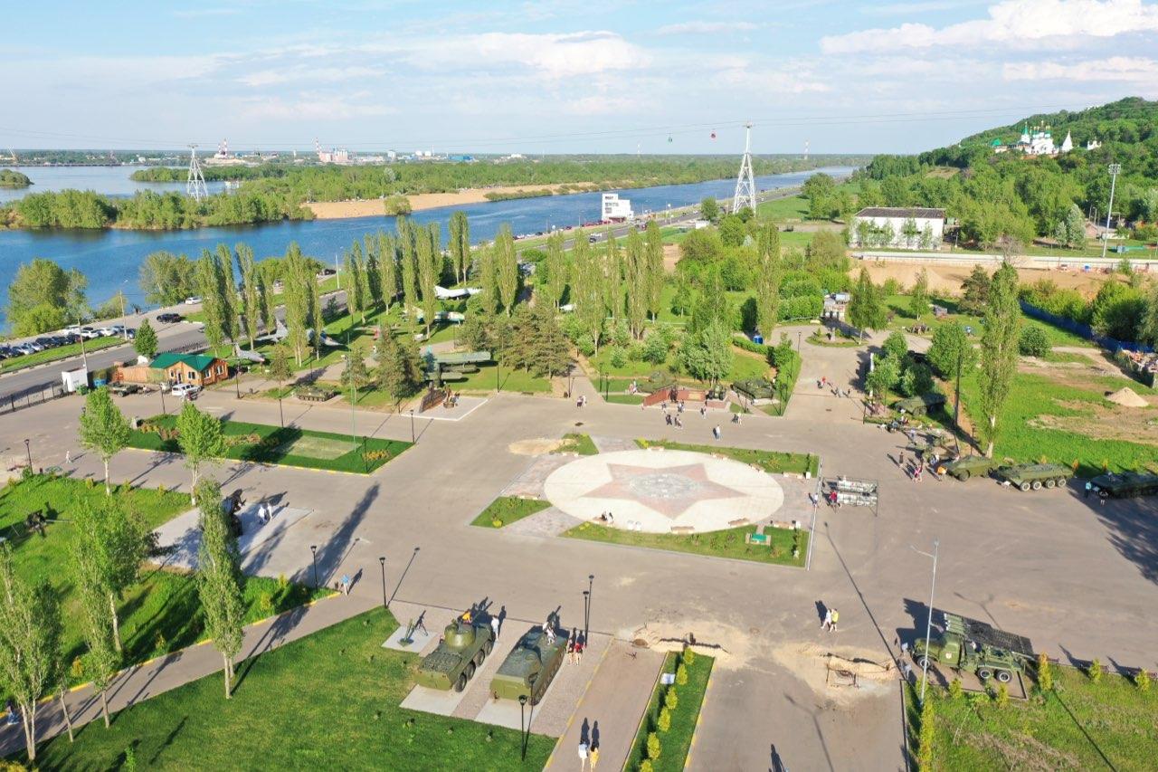 Студенты НГТУ отреставрировали памятник-самолет в Парке Победы - фото 1